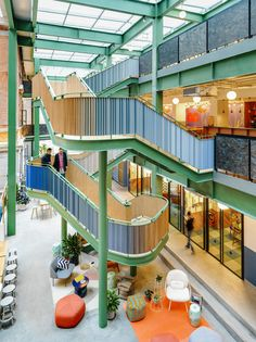 Gallery of WeWork Weihai Lu / Linehouse - 2