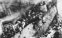 The crew of HMS Prince of Wales abandoning ship, after torpedo attacks by Japanese aircraft in the South China Sea, 10 December 1941 Source: captain-price-official Naval History, Military History, British History, Hms Prince Of Wales, Pearl Harbor Attack, Armada, Navy Ships, Royal Navy, Uk Navy