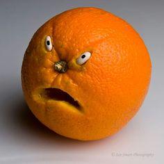 PsBattle: This upset orange. Veggie Art, Fruit And Vegetable Carving, Edible Crafts, Food Crafts, Deco Fruit, Vegetable Animals, Creative Food Art, Food Art For Kids, Food Sculpture