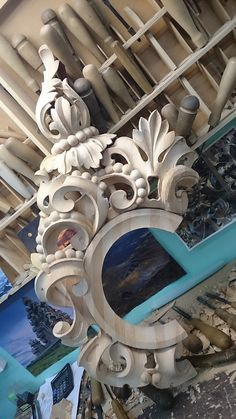 This will be my idea for a halo Curved Wood, Stuck, Carving Designs, Ornaments Design, Victorian Art, Stencil Painting, Wood Sculpture, Wood Carving, Architecture Details