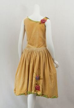 1920s Clothing at Vintage Textile: #2814 Robe de style dress