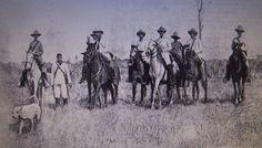 Foto de la Guerra de Cuba, titulada el Presidente de la República de Buca, Bartolomé Masó y su acompañamiento, Marzo de 1898