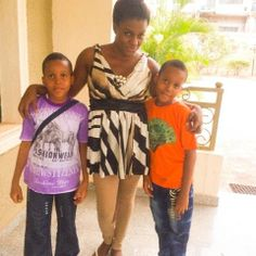 Check out picture of Queen Nwokoye and her kids! Mother of twins! #Nollywood http://www.nollywoodsocial.com/photo/36