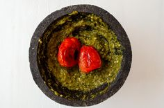 This salsa molcajeteada combines pan roasted tomatoes, garlic, and peppers to make a spicy and hearty salsa. Made in an authentic molcajete. Mexican Salsa Recipes, Spicy Recipes, Cooking Recipes, Taquitos Recipe, Salsa Verde Recipe, Spiced Pear, Potatoe Casserole Recipes, Roasted Tomatoes, Fried Chicken