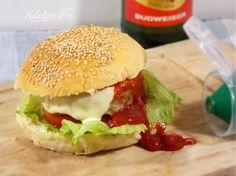 cheeseburger perfetto e sfizioso e personalizzabile con i vostri ingredienti preferiti...gran soddisfazione per chi crea questa delizia e per chi li mangia