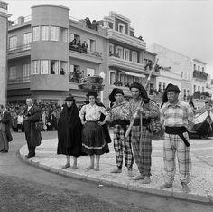 Festa dos pescadores, Nazaré, Portugal by Biblioteca de Arte-Fundação Calouste Gulbenkian, via Flickr