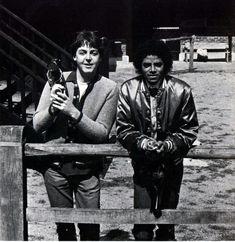 Paul McCartney and Michael Jackson Photo source: J-DAmertume/deviant art