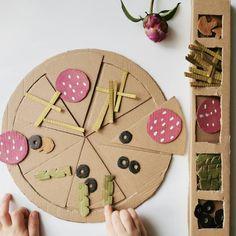 Nowele Domowe : A może pizza ? Inspiracja z Pinterest Pizza, Cookies, Desserts, Diy, Food, Crack Crackers, Tailgate Desserts, Deserts, Bricolage
