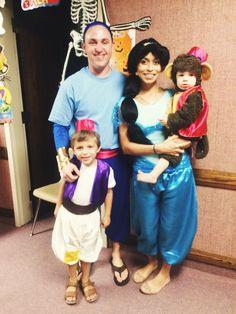 Halloween Aladdin theme family costumes  sc 1 st  Pinterest & Family costume idea: Aladdin Baby Raja Jasmine and Magic Carpet ...