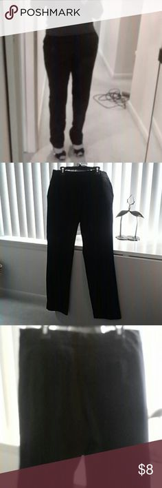 Cute Worthington pants- size 6p These are a really nice pair of slacks, but as you can see from the picture, the pockets stick out on me. I'm referring to them as skinny pants for that reason. Im guessing that I'm too full figured for this style. I wear a 6p, but these did not work out obviously. (Shoes are for sale too. Ebay listing ending soon. I will be adding them here then.) Worthington Pants Skinny