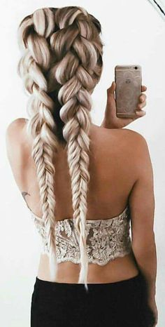 This is such a cute hairstyle. I love the loose braids. Btw this is not me