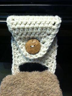 Towel Holder pattern by KarenJ Crochets. Replace double crochet with single crochet Crochet Towel Holders, Crochet Dish Towels, Crochet Towel Topper, Crochet Kitchen Towels, Crochet Potholders, Crochet Home, Crochet Gifts, Crochet Yarn, Crochet Stitches