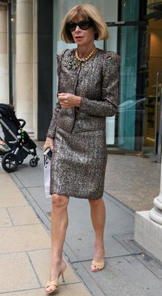 Anna Wintour: Vogue Doesn't Photoshop Girls To Make Them Look Thinner | Skinny VS Curvy