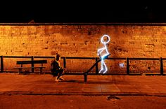 25 spectacular light paintings... Absolutely amazing!! I really want to try this.