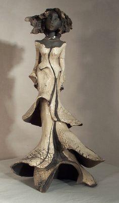 Nana: Martine Cassar, céramiste Plus Sculptures Céramiques, Art Sculpture, Pottery Sculpture, Ceramic Figures, Clay Figures, Raku Pottery, Pottery Art, Paperclay, Human Art