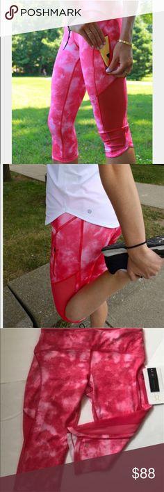 Lululemon Sun Runner crop pants  new with tags Lululemon Sun Runner crop pants  new with tags lululemon athletica Pants Capris
