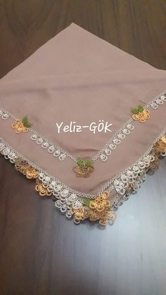This Pin was discovered by Süm Thread Art, Needle And Thread, Handmade Crafts, Diy And Crafts, Crochet Unique, Saree Kuchu Designs, Needle Lace, Lace Making, Filet Crochet