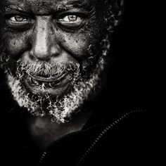 BLACK AND WHITE PHOTOGRAPHY (Hyper-realistic por­traits by Lee Jeffries)