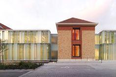 Kompakter Komplex - Krankenhaus in Paris erweitert