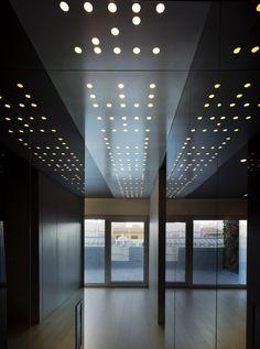 Athic Refurbishment | Clavel Arquitectos. #mirror