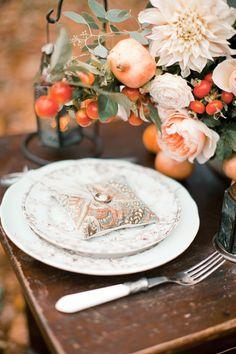 Autumn wedding place setting with a fall color palette / Anastasiya Belik Photography