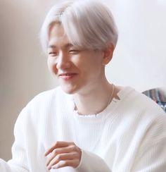"""bella ✴︎ 큥콘 on Twitter: """"his adorable shy smile o̴̶̷̥᷅⌓o̴̶̷᷄… """" Exo, Chanyeol, Xiu Min, Taeyong, Husband, Babe, Angels, Smile, Twitter"""