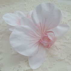 Silk Orchid Hair Clip www.cameliavlad.ro Silk Orchids, Silk Flowers, Bridal Hair Flowers, Bridal Hair Accessories, Femininity, Hair Clips, Touch, Hair Rods, Bridal Hair Jewellery