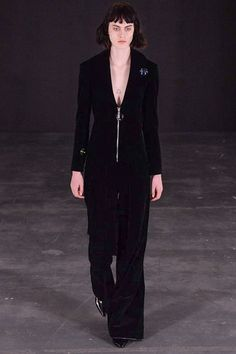 Thomas Tait - Fall 2015 Ready-to-Wear - Look 12 of 36