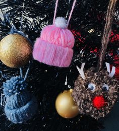 Some lovely Christmas Pom Pom decorations available at @pompompalacedecor on Facebook 💙💜💗