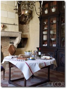 If you love style that is warm, comfortable, and beautiful all at the same time, you're likely a fan of French country designs. A French country kitchen is no different – in a place that has historically been the working-horse… Continue Reading → French Country Kitchens, French Country Cottage, Country Farmhouse Decor, French Country Style, French Country Fireplace, Country Interior, Farmhouse Style, Rustic French, French Farmhouse