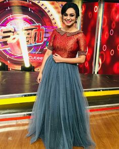 Best 9 Order contact my WhatsApp number is 7874133176 Gown Party Wear, Party Wear Indian Dresses, Indian Gowns Dresses, Indian Fashion Dresses, Dress Indian Style, Indian Wear, Stylish Dresses For Girls, Stylish Dress Designs, Dress Neck Designs