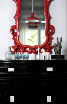 Decor Demon – entrances/foyers – red and black foyer, red mirror, lacquer mirror… – Decorating Foyer Lacquer Furniture, Black Furniture, Painted Furniture, Furniture Ideas, Red Mirror, Mirror With Lights, Foyer Decorating, Interior Decorating, Painted Wood Floors