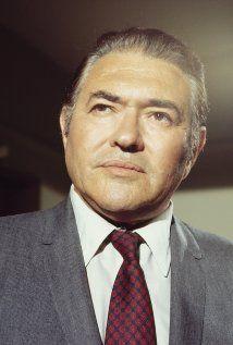 Simon Oakland(1915 - 1983)  played   Elton Ferris / ... (3 episodes, 1969-1973)