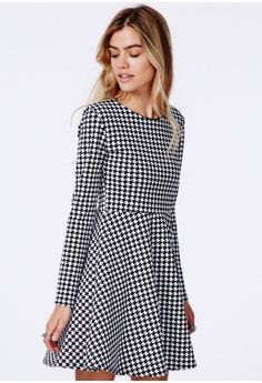 Missguided - Bechtolda Dogtooth Print Skater Dress