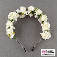 A.08 Tocado Diadema Corona Tiara de Flores Blancas | Olga Humaza - Tocados y Complementos | Bloglovin'