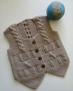 Happy hump day my loves 🖤💜🖤Free Knitting Pattern Baby Cardigan with CablesLeriPosts ideas products are products that do not belong to me .This Pin was discovered by Ayş Baby Knitting Patterns, Baby Boy Knitting, Baby Girl Crochet, Crochet Baby Clothes, Knitting For Kids, Knitting Stitches, Baby Patterns, Doll Patterns, Free Knitting