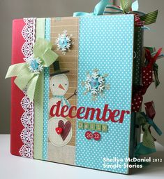 December Daily Album with Simple Stories product Christmas Mini Albums, Christmas Journal, Christmas Scrapbook, Christmas Minis, Christmas Paper, Christmas Cards, Mini Album Scrapbook, Scrapbook Cover, Mini Albums Scrap