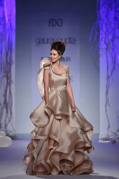Kalki Koechlin dazzles as Gaurav Gupta's showstopper!