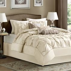 Laurel 7 Piece Comforter Set #DLMadisonPark @designerliving