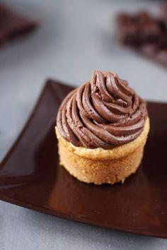 Ganache mounted with dark chocolate Mousse Dessert, Creme Dessert, Köstliche Desserts, Delicious Desserts, Dessert Recipes, Number Cakes, Vegan Ice Cream, Food Humor, Pinterest Recipes