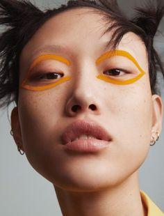 The Beauty Model - Bird Like Colours Sora Choi by Benjamin Lennox for Vogue China March Stylist: Tom Van Dopre Hair: Vi Sapyyapy Makeup: Violette Nails: Maki Sakamoto Makeup Inspo, Makeup Art, Makeup Inspiration, Beauty Makeup, Hair Makeup, Vogue Makeup, Makeup Geek, Vogue Beauty, Queen Makeup