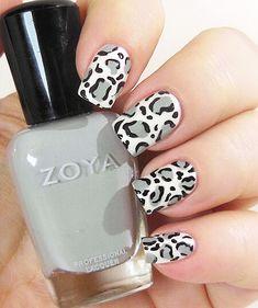Леопардовые ногти белые с серым и черным
