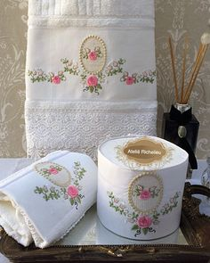 Ateliê / Enxoval Casa e Bebê (@atelierechilieu) | Instagram photos and videos Brazilian Embroidery Stitches, Silk Ribbon Embroidery, Hand Embroidery, Applique Towels, Embroidered Toilet Paper, Bathroom Towel Decor, Shabby Chic Hearts, Towel Crafts, Decorative Towels