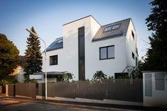 pedit & partner architekten Partner, Garage Doors, Exterior, Outdoor Decor, Home Decor, Architects, Projects, House, Decoration Home