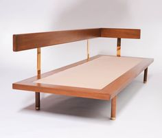 Harvey Probber Walnut and Brass Daybed 1957 6 Diy Sofa, Diy Furniture Couch, Modern Bedroom Furniture, Furniture Layout, Metal Furniture, Furniture Makeover, Living Room Furniture, Furniture Design, Pallet Furniture
