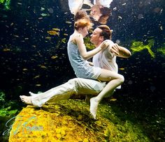 2 people, 11 weddings and 1 out of this world (underwater) trash the dress shoot!