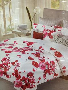 Amazon.com   Nicole Miller Red Poppy White Floral Queen Comforter 6 PC Set