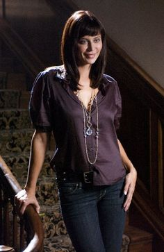 The Good Witchs Catherine Bell... wish I could find out more about the wardrobe used in the movies... love her style.