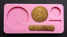 Available on www.itacakes.com Versace Medusa - Silicone Mold #VersaceSiliconeMold #brandsiliconeMold