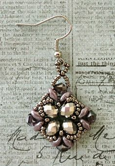"Linda's Crafty Inspirations: Playing with my beads...More ""Noah"" Earrings"